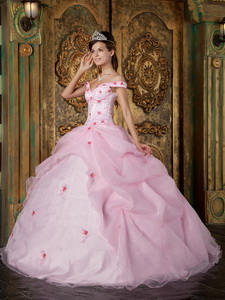 Pink Ball Gown Off The Shoulder Floor-length Organza Appliques Quinceanera Dress