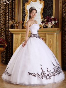 White Ball Gown Strapless Floor-length Tulle Embroidery Quinceanera Dress