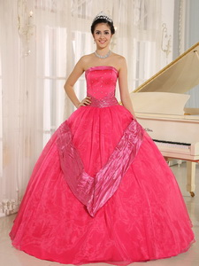 Coral Red Beaded Decorate Quinceanera Gowns With Strapless In Buenos Aires