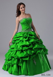 Ball Gown Pick-ups Quinceanera Dress With Beading And Ruche