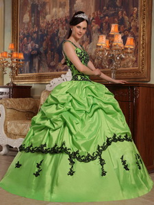 Spring Green Ball Gown Straps Floor-length Appliques Taffeta Quinceanera Dress