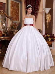 White Ball Gown Strapless Floor-length Taffeta Sashes/Ribbons Quinceanera Dress
