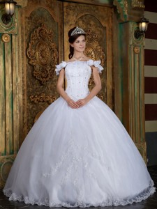 White Ball Gown Off The Shoulder Floor-length Organza Appliques Quinceanera Dress