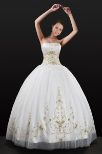 White Strapless Quinceanera Dress With Beading And Appliques