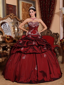 Wine Red Ball Gown Sweetheart Floor-length Taffeta Appliques Quinceanera Dress