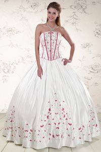 Cheap Strapless Quinceanera Dress With Appliques
