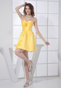 Hand Made Flower Decorate Bodice Sweetheart Neckline Mini-length Yellow Prom Cocktail