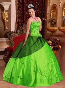 Spring Green Ball Gown Sweetheart Floor-length Satin Embroidery with Beading Quinceanera Dress