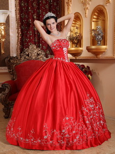 Red Ball Gown Strapless Floor-length Taffeta Embroidery Quinceanera Dress