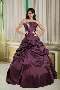 Dark Purple Princess Strapless Floor-length Taffeta Appliques Quinceanera Dress