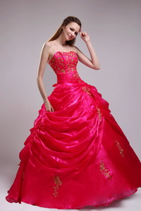 Red Ball Gown Strapless Floor-length Orangza Appliqiues Quinceanera Dress