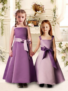 Lovely Bowknot Spaghetti Straps Quinceanera Court Dress With Satin