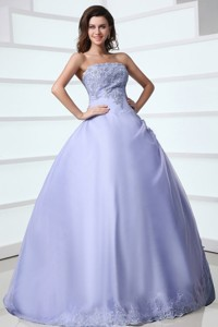 Spring Strapless Appliques Decorate Quinceanera Dress In Lavender