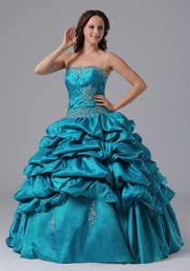 Ball Gown Pick-ups Quinceanera Dress With Beading And Ruch In Newington Connecticut