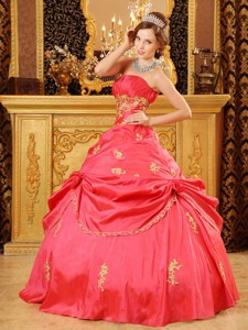 Red Ball Gown Strapless Floor-length Taffeta Beading and Appliques Quinceanera Dress