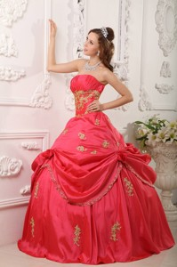 Red Strapless Floor-length Taffeta Beading And Appliques Quinceanera Dress