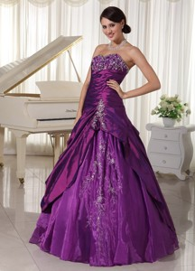 Taffeta And Organza Dark Purple Sweetheart Quinceanera Gowns With Appliques And Beading