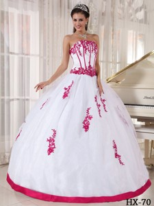 Ball Gown Strapless Floor-length Red and White Appliques Quinceanera Dress