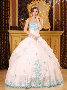 White Ball Gown Sweetheart Floor-length Appliques Taffeta Quinceanera Dress