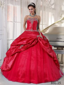 Red Ball Gown Strapless Floor-length Taffeta and Tulle Appliques Quinceanera Dress