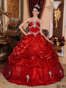 Wine Red Ball Gown Strapless Floor-length Organza Appliques Quinceanera Dress