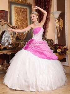 Beautiful Ball Gown Strapless Floor-length Taffeta and Tulle Hand Made Flowers Quinceanera Dress