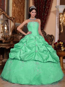 Apple Green Ball Gown Strapless Floor-length Taffeta and Organza Beading Quinceanera Dress