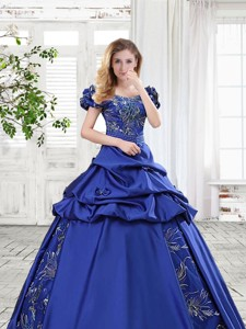 Cheap Applique and Bubble Bowknot Royal Blue Prom Gown in Taffeta