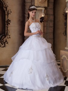 Pretty Ball Gown Strapless Floor-length Appliques Satin and Organza White Quinceanera Dress