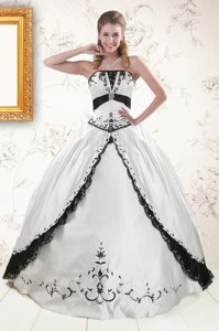 Exquisite Embroidery Quinceanera Dress In White And Black