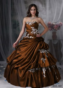 Ball Gown Strapless Floor-length Taffeta Quinceanera Dress with Appliques