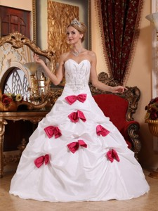 White Sweetheart Floor-length Taffeta Beading And Bowknots Quinceanera Dress