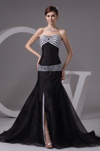 Sweep Train Bodice Sweetheart Evening Dress With Slit On The Side