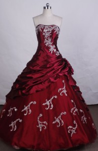 Exquisite Ball Gown Strapless Floor-length Red Beading And Appliques Quinceanera Dress