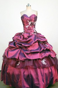 Classical Ball Gown Sweetheart Neck Floor-Lengtrh Wine Red Appliques and Beading Quinceanera Dress