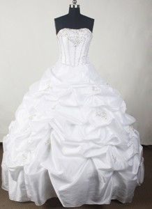 Simple Ball Gown Strapless Floor-length White Quinceanera Dress