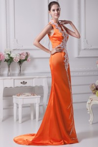 Orange Red V-neck Brush Train Prom Gowns with White Appliques