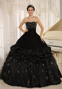 Appliques Decorate On Taffeta Strapless Black Quinceanera Dress In Yacuiba