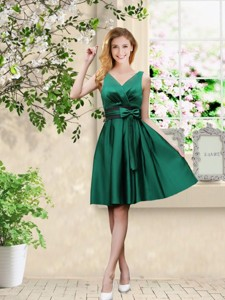 Wonderful V Neck Bowknot Hunter Green Bridesmaid Dress With Knee Length