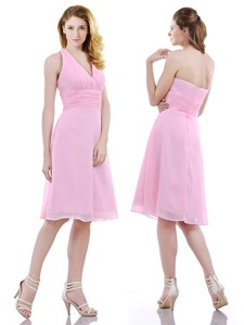 Latest Halter Top Knee Length Bridesmaid Dress In Baby Pink