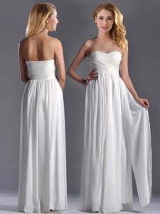 Exquisite Empire Sweetheart Ruched White Long Bridesmaid Dress In Chiffon