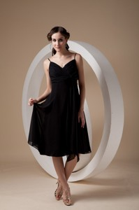 Lovely Black Empire Cocktail Dress Spaghetti Straps Chiffon Ruch and Bow Knee-length
