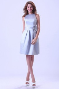 Bateau Silver Prom / Homecoming Dress With Hand Made Flower Knee-length