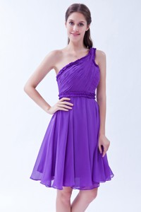 Purple One Shoulder Chiffon Ruch Bridesmaid Dress Knee-length