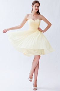Light Yellow Empire Sweetheart Knee-length Chiffon Pleats Bridesmaid Dress