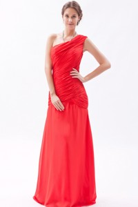 Red Column / Sheath One Shoulder Bridesmaid Dress Chiffon Ruch Floor-length