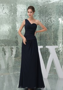 One Shoulder Ruched Long Mother In Law Dress In Navy Blue