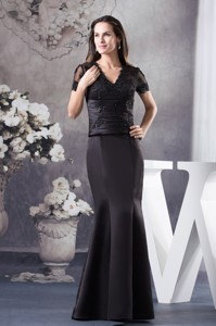 V-neck Mermaid Black Appliques Mother Of The Bride Dress