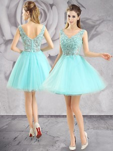 Best V Neck Apple Green Short Prom Dress with Appliques